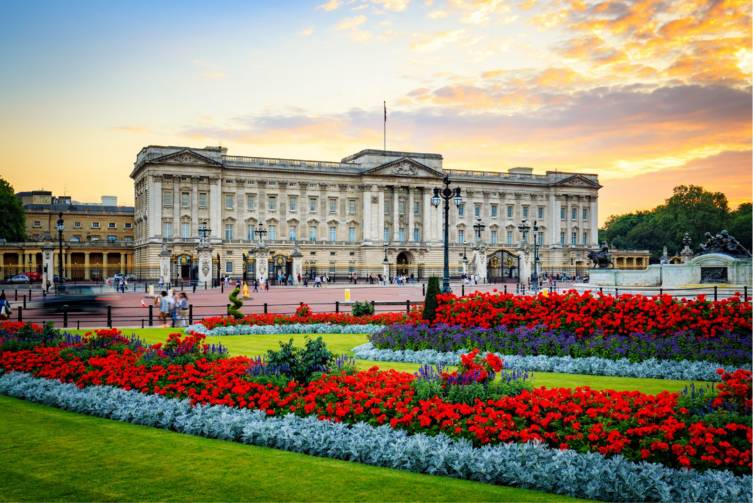 Idealtours_England_London - Buckingham Palace_shutterstock_457813381.jpg