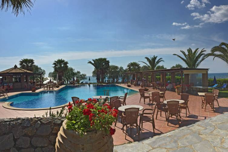 Idealtours - Kalamata - Oasis Appartements - Pool