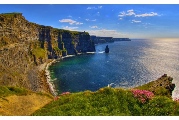 Idealtours_Irland_Cliffs of Moher_shutterstock_83136454.jpg