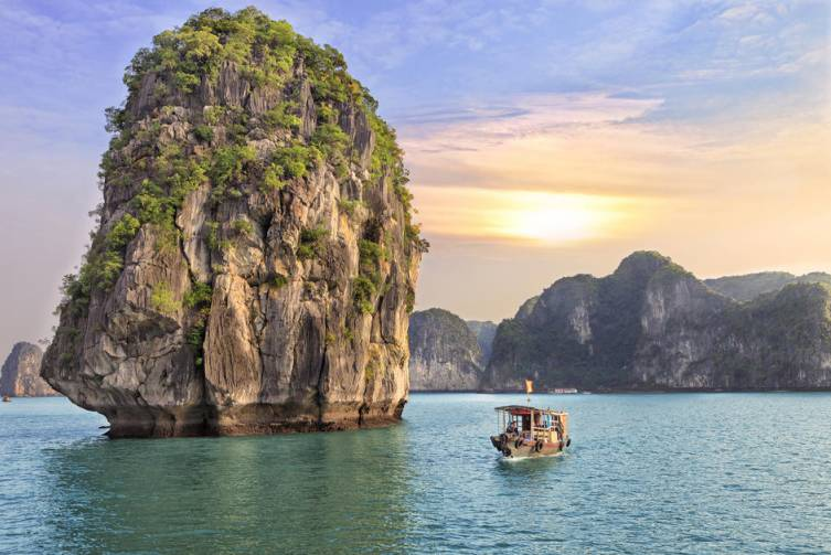 Idealtours - Vietnam - Halong Bay
